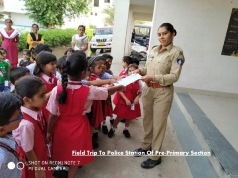 Police Station Field Trip of Pre-Primary